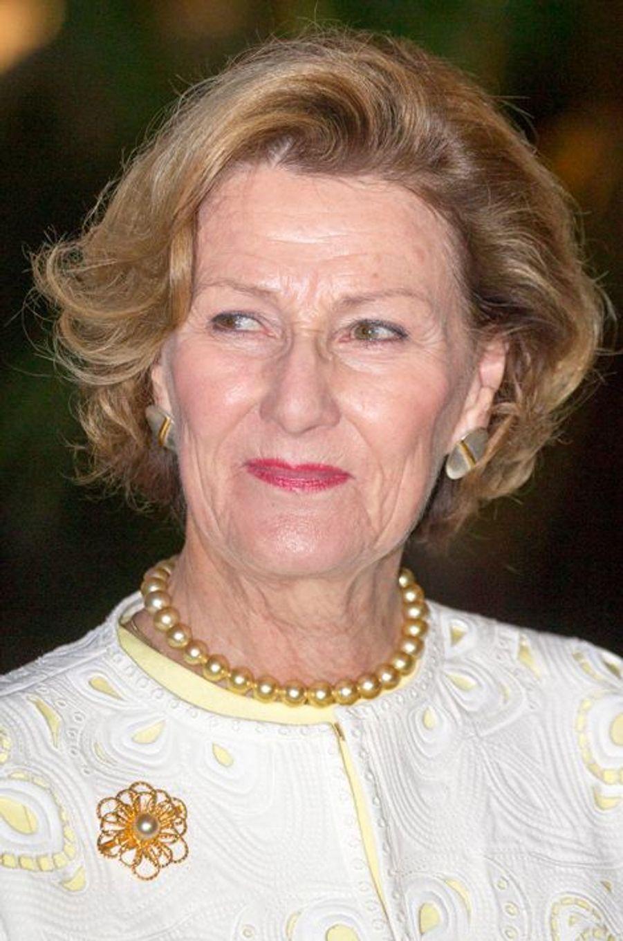 La reine Sonja de Norvège à Nay Pyi Taw, le 1er décembre 2014