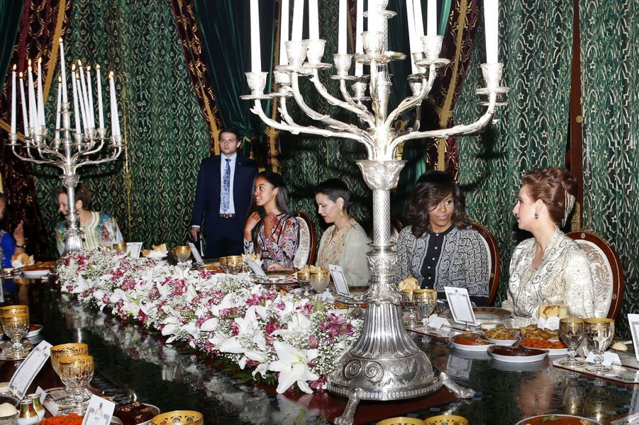 Les princesses Lalla Salma et Lalla Meryem avec Michelle et Malia Obama à Marrakech, le 28 juin 2016