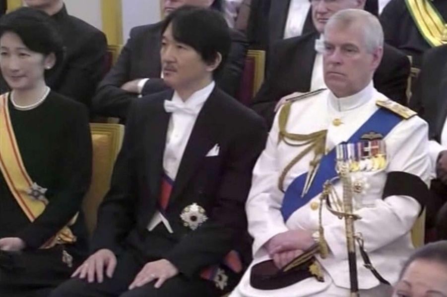 La princesse Kiko et le prince Akshino du Japon à côté du prince Andrew d'Angleterre à Bangkok, le 26 octobre 2017
