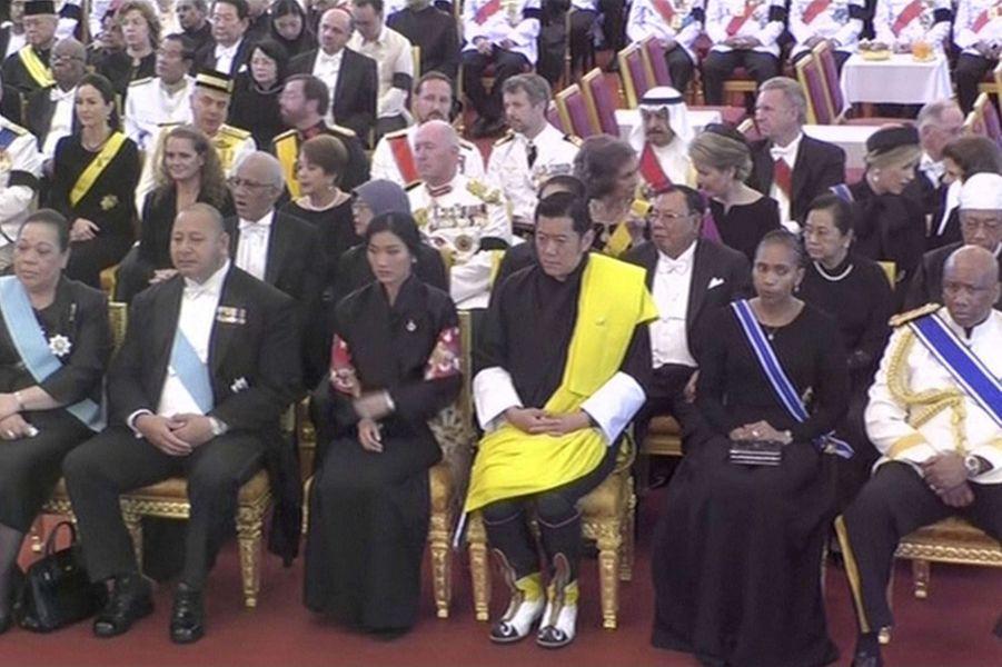 Royals et dirigeants étrangers assistant aux funérailles du roi Bhumibol de Thaïlande à Bangkok, le 26 octobre 2017