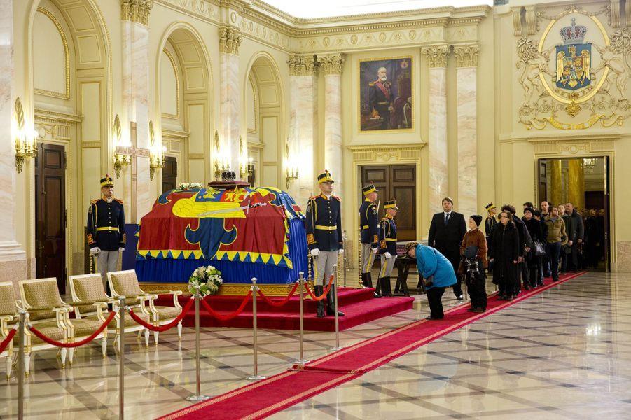 Hommage des Roumains à l'ex-roi Michel de Roumanie au Palais royal à Bucarest, le 14 décembre 2017