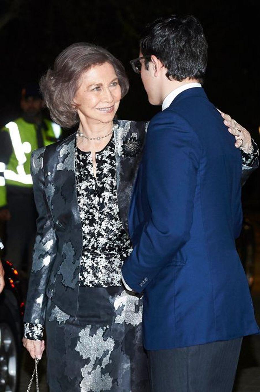 L'ex-reine Sofia réconforte la famille du prince Kardam de Bulgarie après son décès, le 7 avril 2015