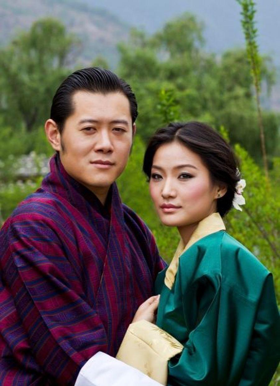 """Le 20 mai dernier, lors d'une session parlementaire, le roi du Bhoutan annonçait ses fiançailles.""""Même si elle est jeune, elle fait preuve d'une grande générosité"""", a déclaré d'elle Jigme Khesar Namgyel Wangchuck."""