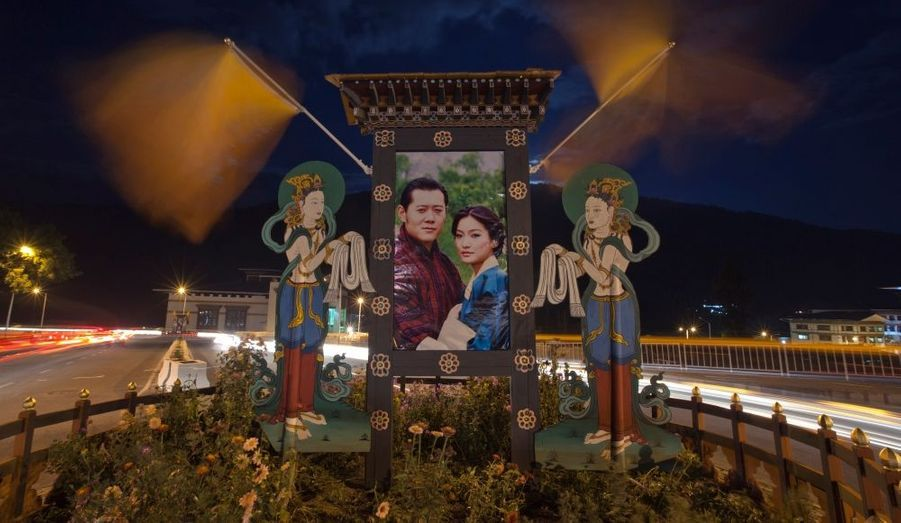 Monarchie constitutionnelle, le Bhoutan attendait l'événement avec impatience. Les noces royales ont même été diffusées en direct à la télévision nationale.