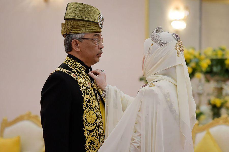Le nouveau roi de Malaisie et la reine consort à Kuala Lumpur, le 30 juillet 2019