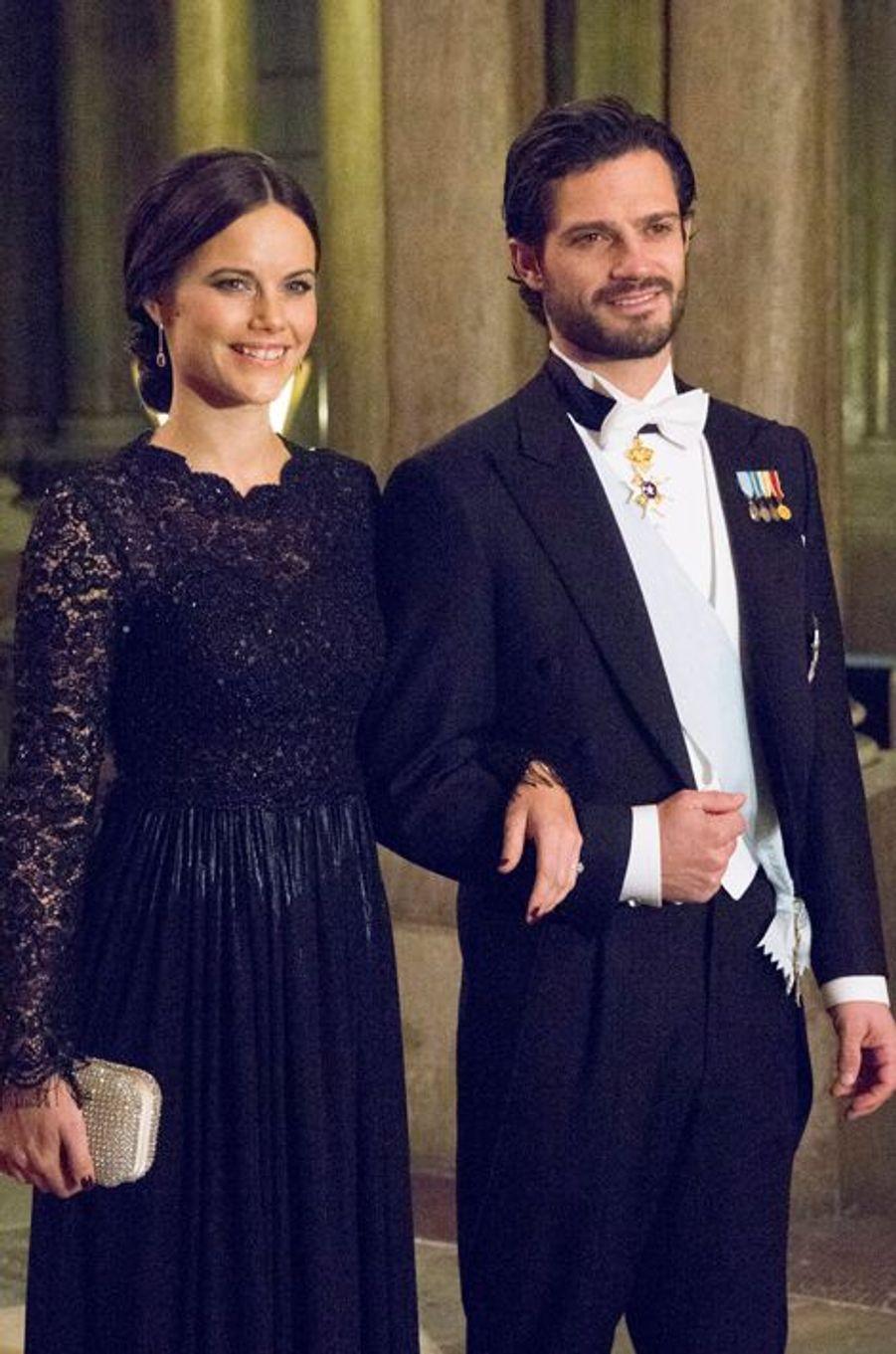 Sofia Hellqvist et le prince Carl Philip au premier dîner de l'année au Palais royal à Stockholm, le 11 février 2015