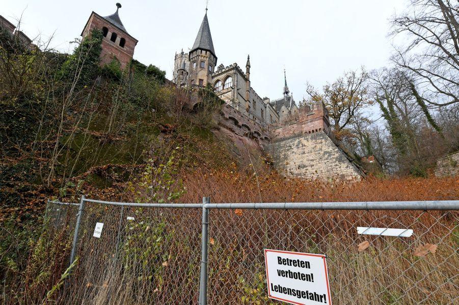 Le soubassement du château de Marienburg en Allemagne, nécessitant d'importants travaux,le 29 novembre 2018,