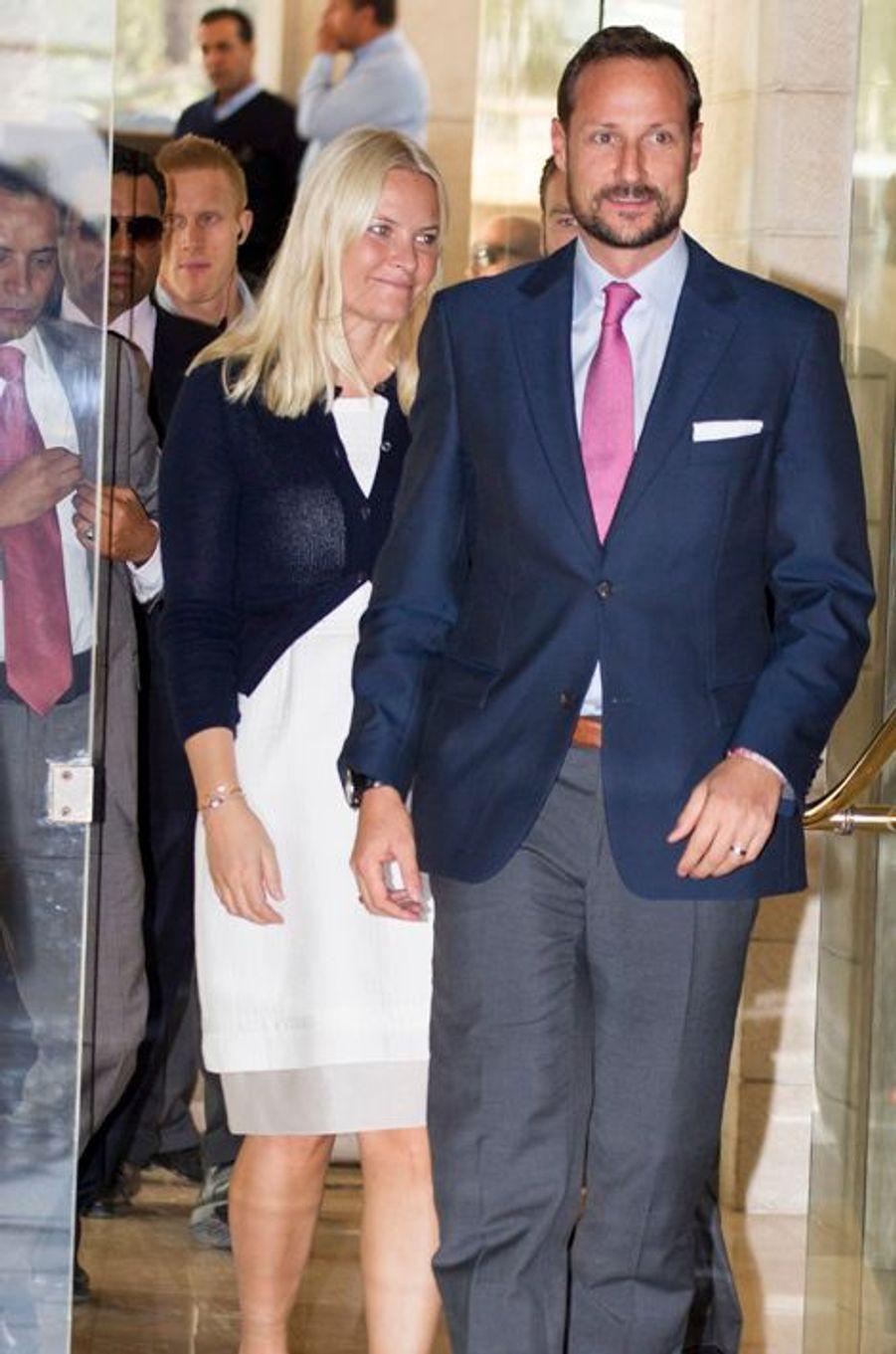 Le prince Haakon de Norvège et la princesse Mette-Marit à leur hôtel à Amman, lors de leur voyage officiel en Jordanie, le lundi 20 octobre