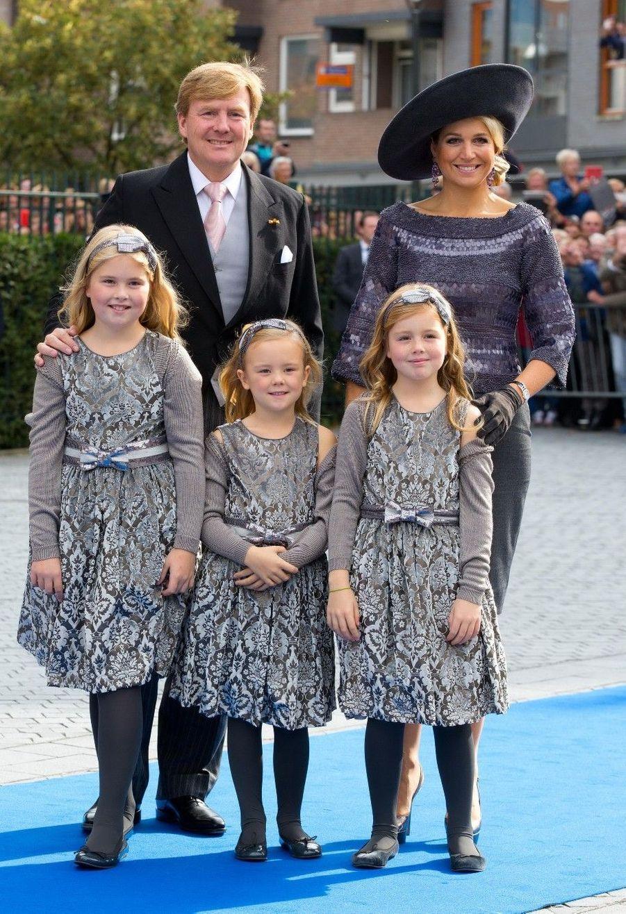 Le roi Willem-Alexander, la reine Maxima et leurs filles, les princesses Amalia, Alexia et Ariane