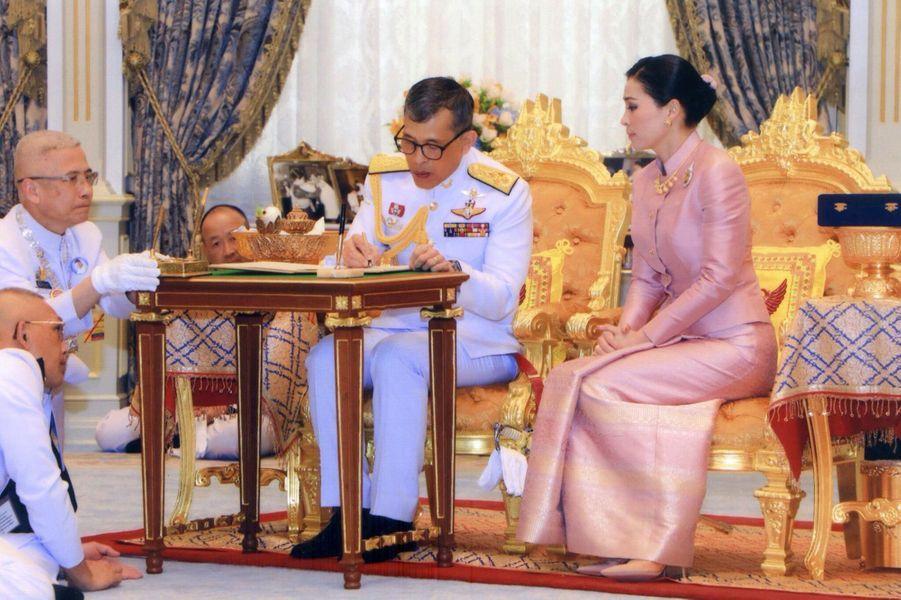 Mariage du roi de Thaïlande Maha Vajiralongkorn et de Suthida, le 1er mai 2019 à Bangkok