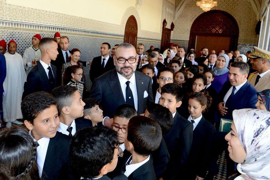 Le roi du Maroc Mohammed VI et ses deux enfants, le prince Moulay El Hassan et la princesse Lalla Khadija, à Rabat le 17 septembre 2018