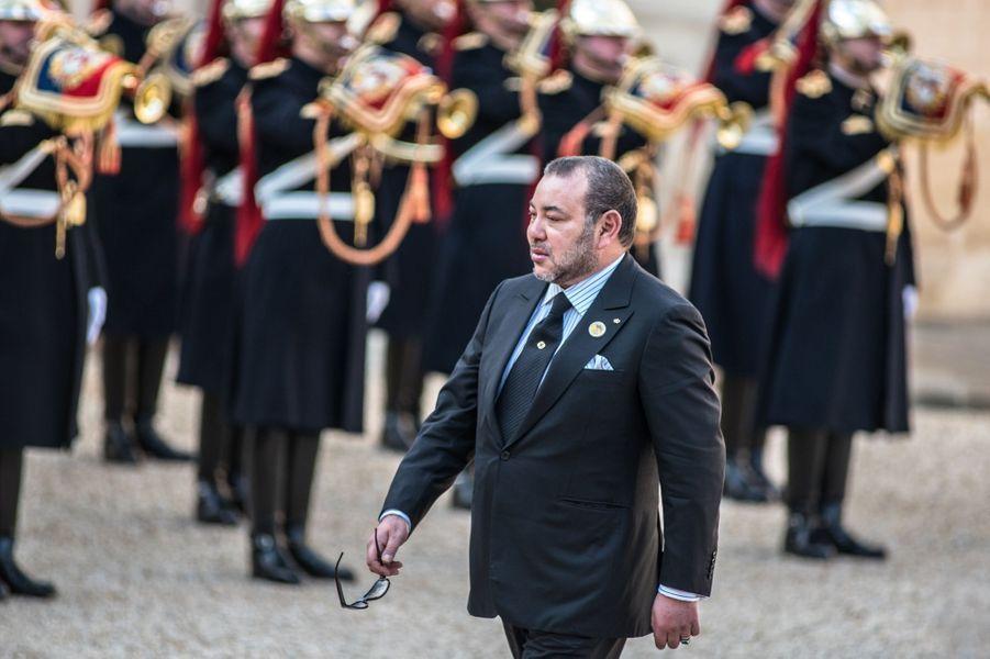 Le roi Mohammed VI du Maroc au Palais de l'Élysée à Paris, le 17 février 2016