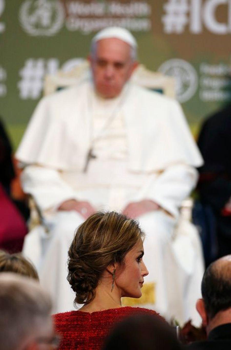 La reine Letizia d'Espagne avec le pape François à Rome, le 20 novembre 2014