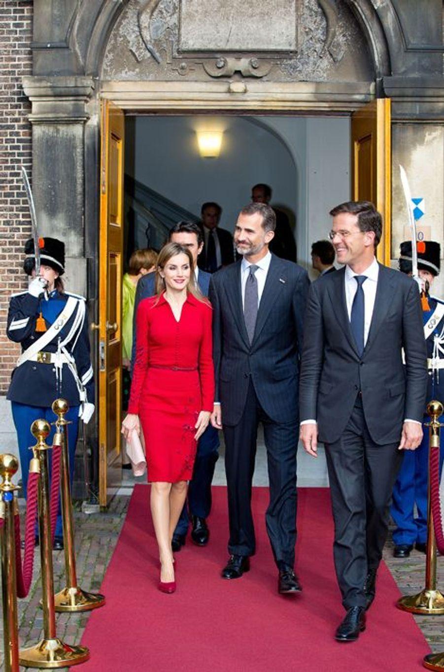 Le roi Felipe VI d'Espagne et la reine Letizia en visite officielle aux Pays-Bas à La Haye, le 15 octobre 2014