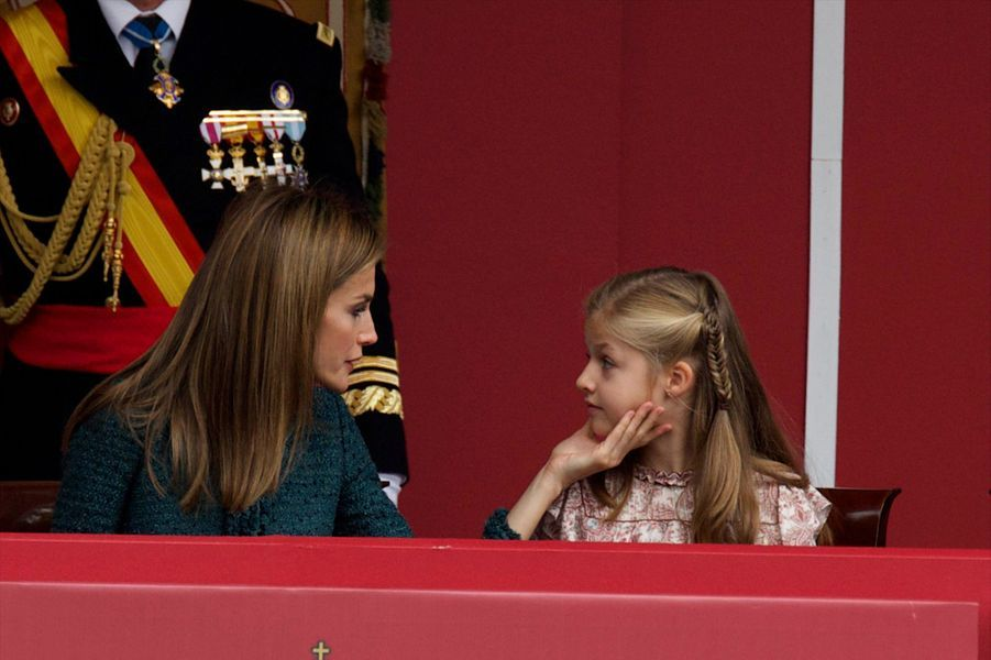La reine Letizia d'Espagne et la princesse Leonor à la Fête nationale d'Espagne, le 12 octobre 2014