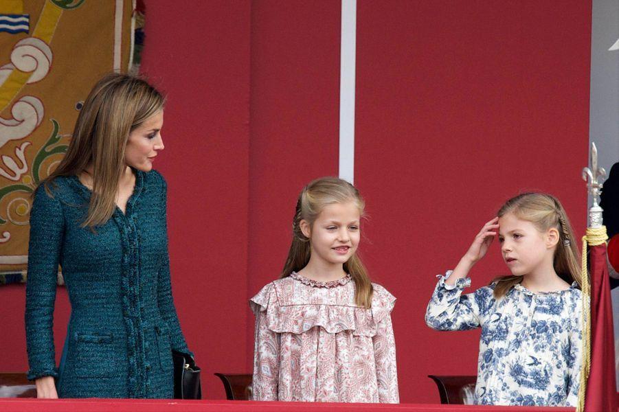 La reine Letizia d'Espagne et les princesses Leonor et Sofia à la Fête nationale d'Espagne, le 12 octobre 2014