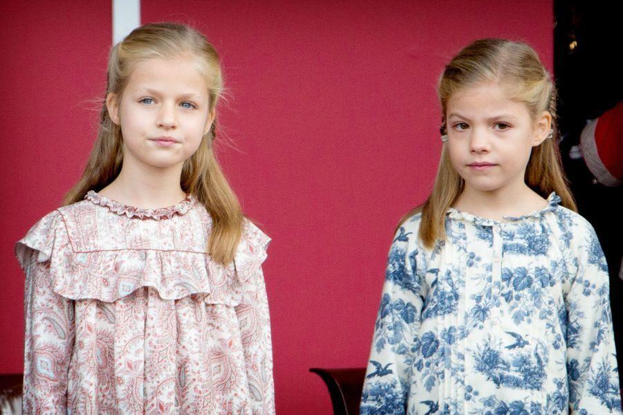 Les princesses Leonor et Sofia dEspagne à la Fête nationale d'Espagne, le 12 octobre 2014