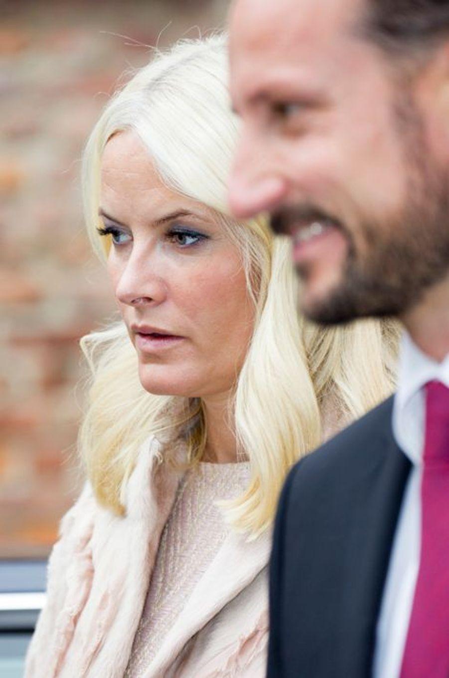 La princesse Mette-Marit de Norvège et le prince Haakon lors du voyage officiel du président indien Pranab Mukherjee à Oslo le 14 octobre 2014