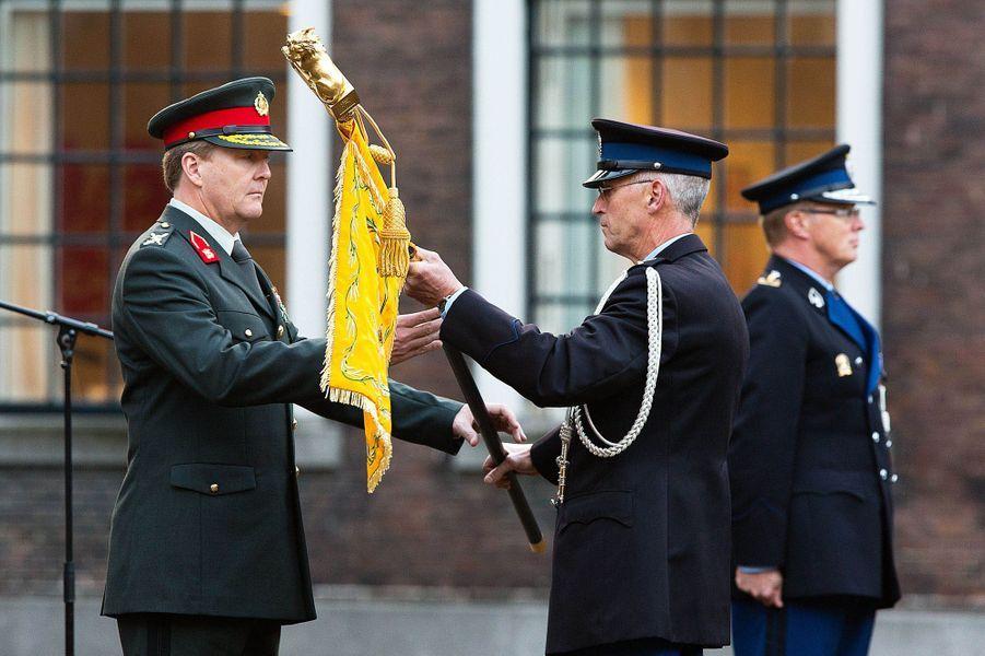 Le roi Willem-Alexander des Pays-Bas lors d'une cérémonie militaire à La Haye, le 16 octobre 2014