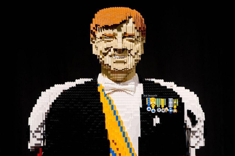 Le roi Willem-Alexander des Pays-Bas statufié en Lego par Dirk Denoyelle à Utrecht, le 16 octobre 2014