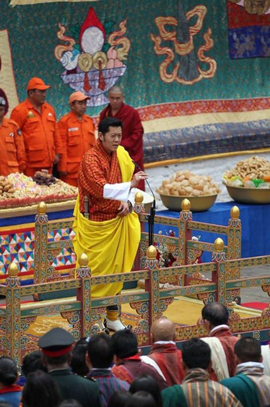 Le roi du Bhoutan au dzong de Punakha, le 16 avril 2016