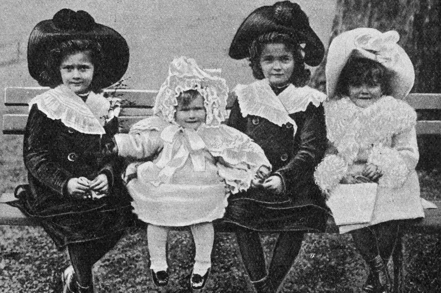 Les quatre filles du tsar de Russie Nicolas II. Photo non datée
