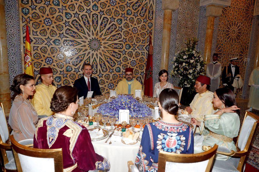 Le prince Moulay El Hassan du Maroc avec la famille royale marocaine et le couple royal espagnol, à Rabat le 13 février 2019