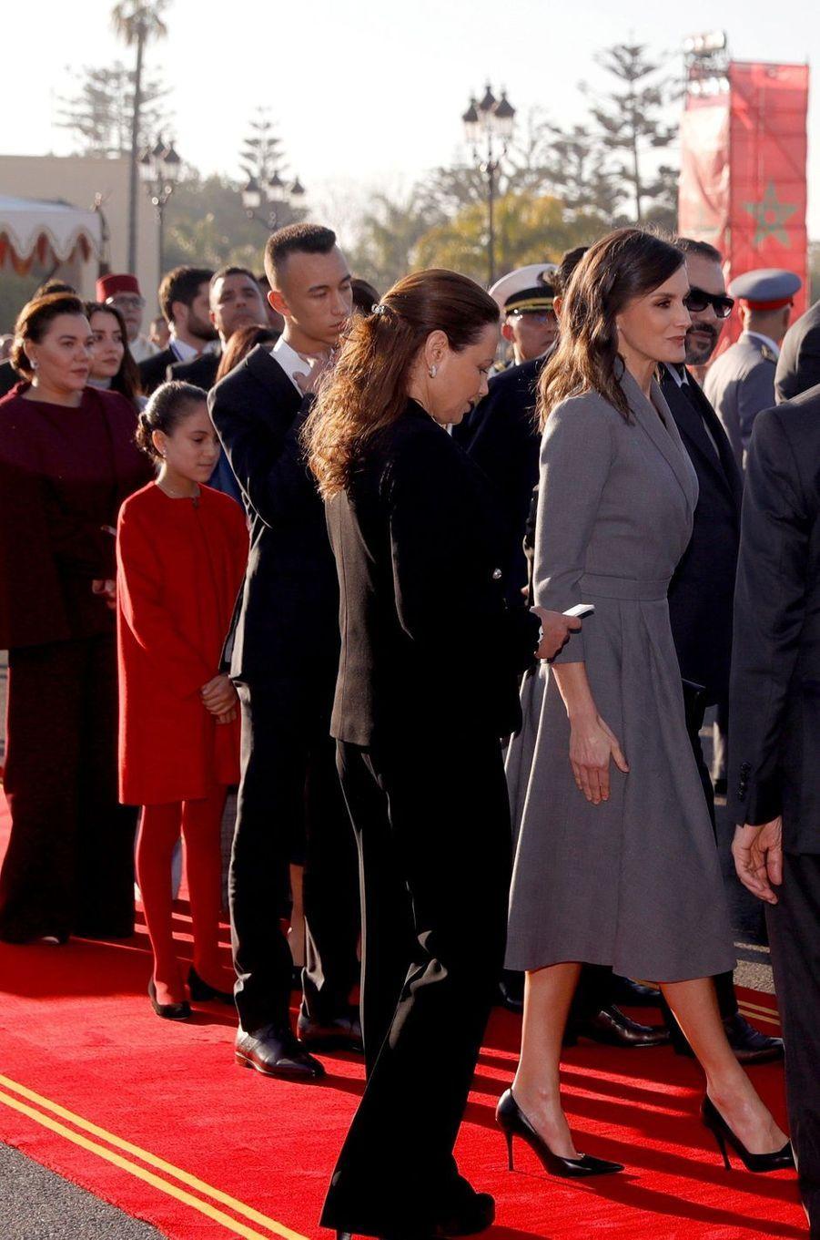 La princesse Lalla Khadija et le prince Moulay El Hassan du Maroc avec leurs tantes et la reine Letizia d'Espagne, à Rabat le 13 février 2019