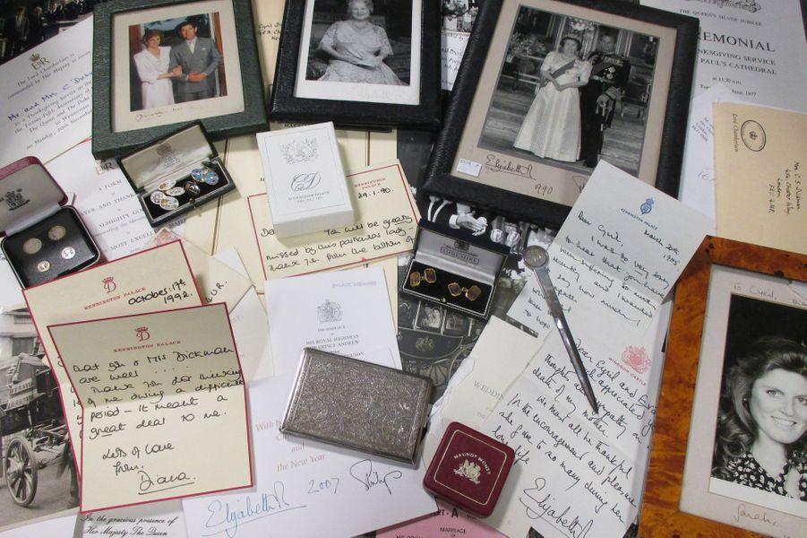 La plus émouvante - Vendues aux enchères ce jeudi 5 janvier, six lettres de Lady Diana, où elle parle des princes William et Harry, se sont vendues pour 15100 livres, soit 17655 euros.