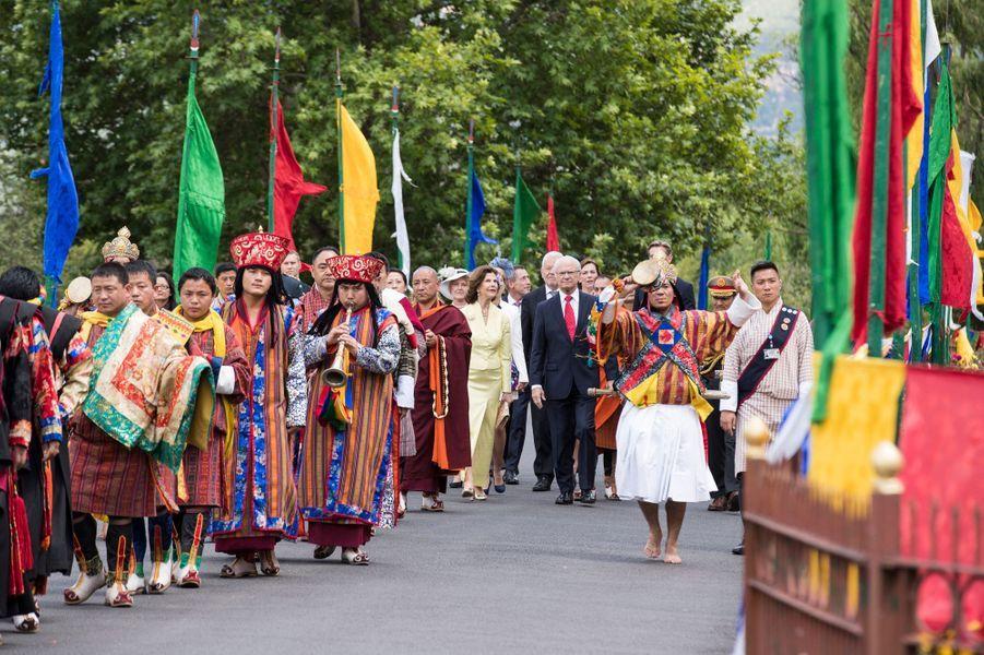 Après Kate et William, c'était au tour de la reine Silvia et du roi Carl XVI Gustaf de Suède d'être accueillis au Bhoutan du mercredi 8 au samedi 11 juin.