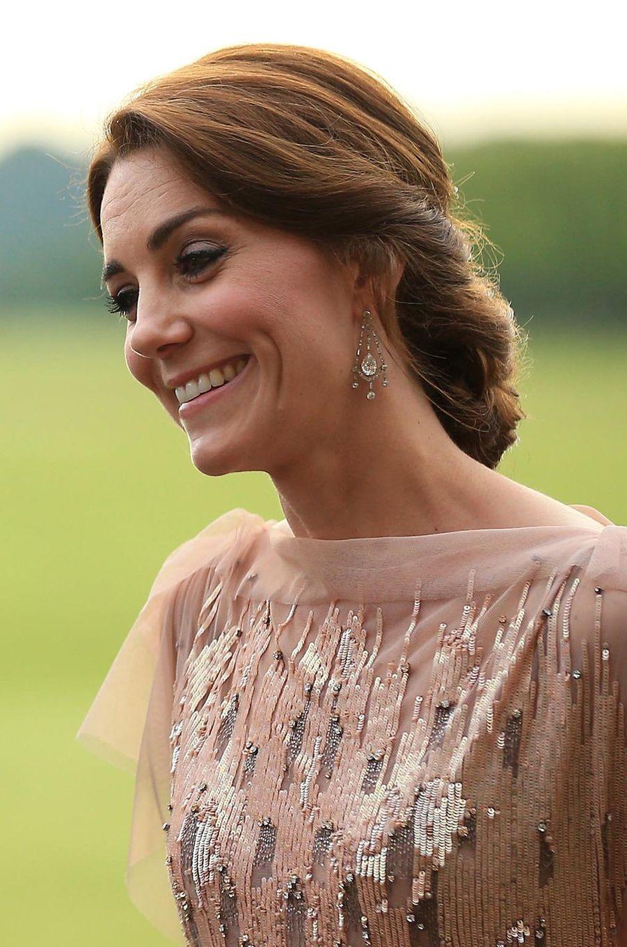 Grand soir pour la duchesse de Cambridge, née Kate Middleton. Ce mercredi 22 juin se déroulait son premier gala de charité, au profit des enfants hospitalisés.