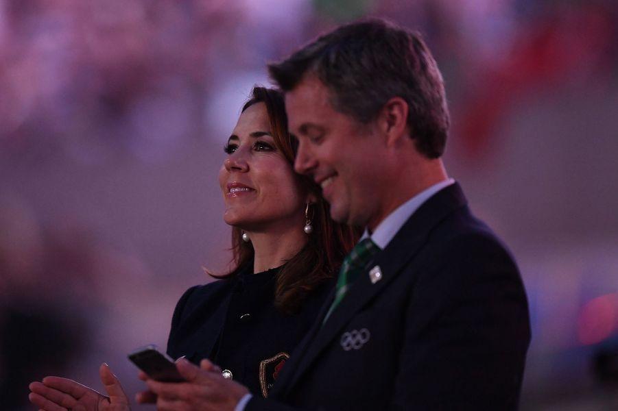 Lors de la cérémonie d'ouverture des JO de Rio ce vendredi 5 août, des «Royals» étaient aux premières loges, dont la princesse Mary et le prince Frederik de Danemark.