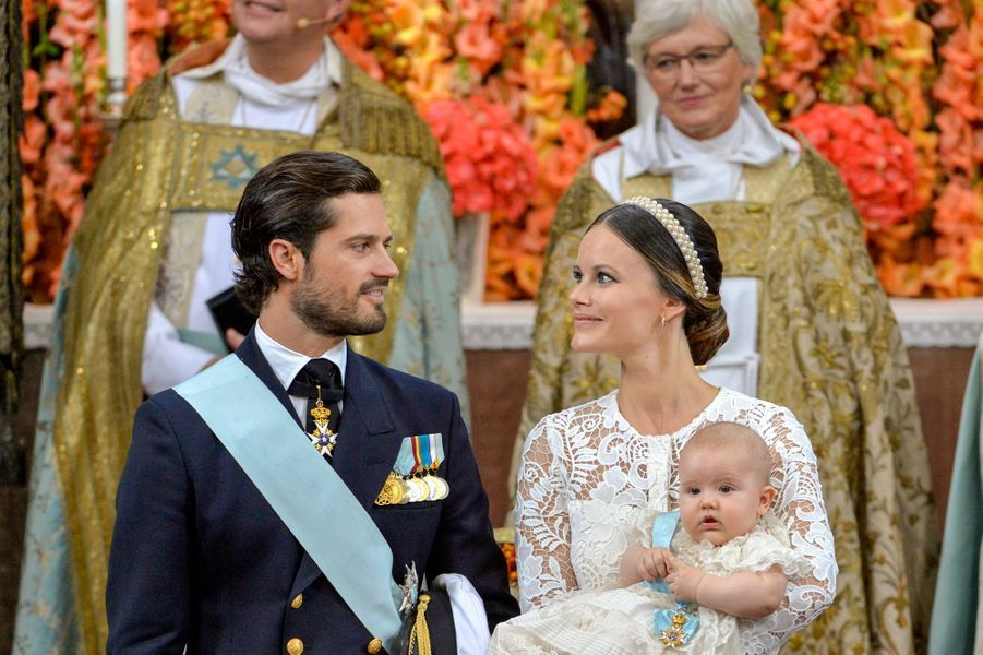 Le baptême du prince Alexander de Suède, fils du prince Carl Philip et de son épouse la princesse Sofia, née Hellqvist, s'est déroulé ce vendredi 9 septembre à Stockholm.