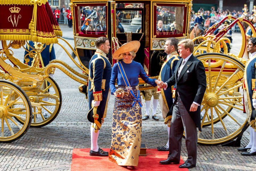 La solennité était au programme de la reine Maxima des Pays-Bas ce mardi 20 septembre. Aux côtés de son époux le roi Willem-Alexander, elle participait au «Prinsjesdag», la rentrée parlementaire néerlandaise.