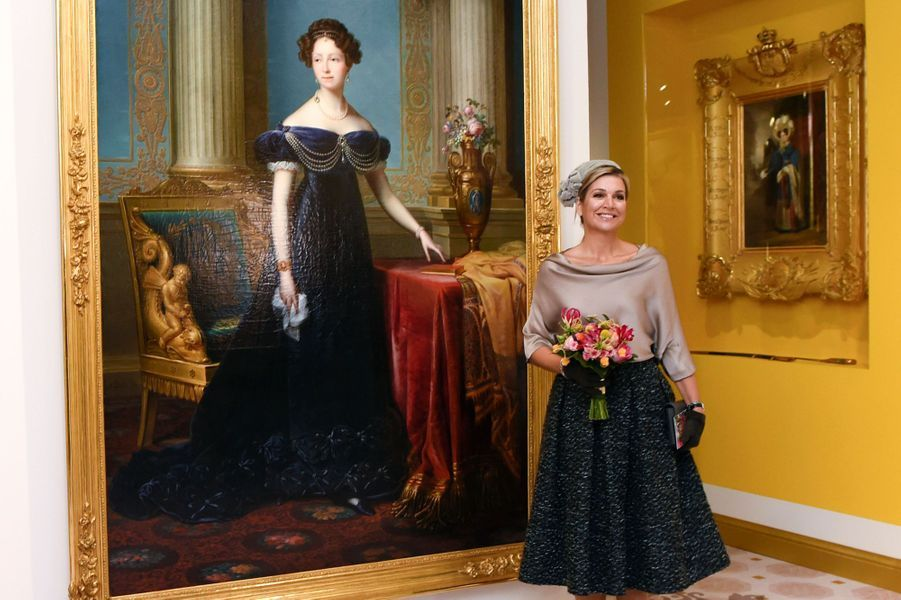 La reine Maxima des Pays-Bas a inauguré ce mercredi 5 octobre au palais Het Loo une exposition consacrée à Anna Paulowna, reine consort comme elle, mais au XIXe siècle.