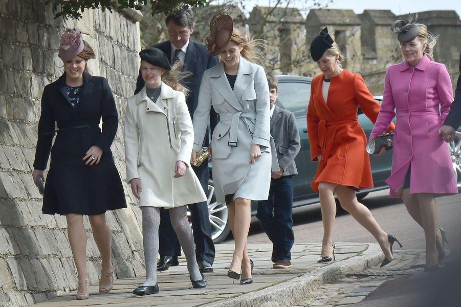 La reine Elizabeth II et sa famille ont assisté à la messe de Pâques, célébrée ce dimanche 27 mars à la chapelle St George du château de Windsor.Chaque dimanche, le Royal Blog de Paris Match vous propose de voir ou revoir les plus belles photographies de la semaine royale.