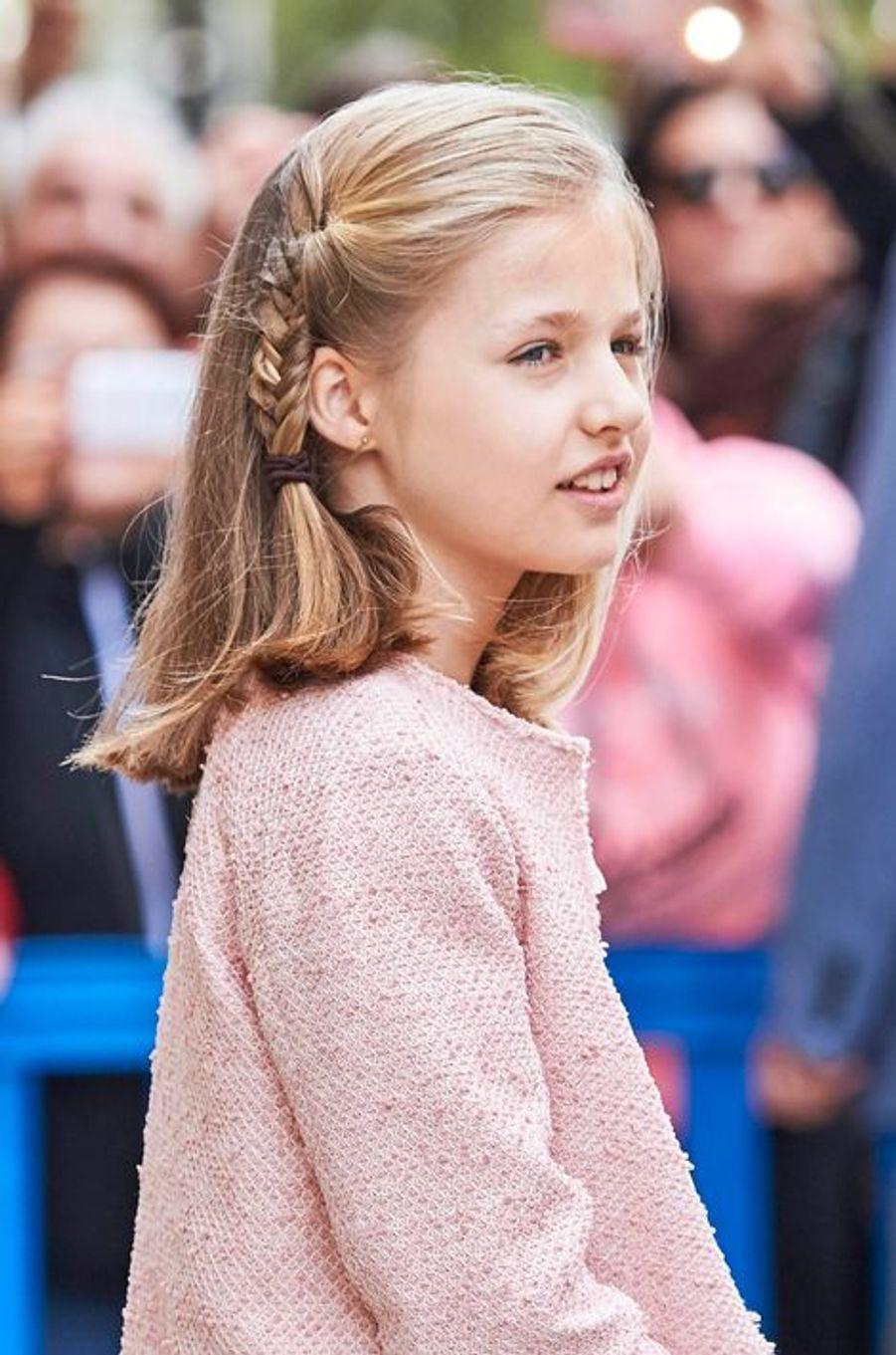 Comme chaque année, le roi Felipe VI d'Espagne et son épouse la reine Letizia ont assisté en famille à la messe de Pâques, ce dimanche 27 mars, lors de leurs vacances au palais de Marivent à Majorque. Le couple royal était accompagné de ses deux filles Leonor et Sofia, mais également de l'ancienne reine Sofia – sans son époux l'ancien roi Juan Carlos.Chaque dimanche, le Royal Blog de Paris Match vous propose de voir ou revoir les plus belles photographies de la semaine royale.