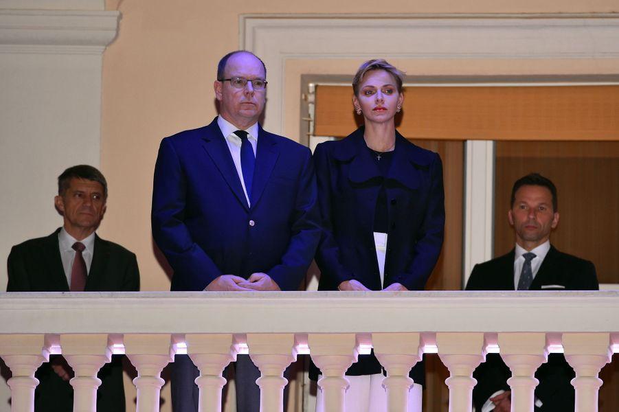 Le prince Albert II de Monaco et son épouse la princesse Charlène ont assisté, ce 25 mars, à la traditionnelle procession du Vendredi Saint.Chaque dimanche, le Royal Blog de Paris Match vous propose de voir ou revoir les plus belles photographies de la semaine royale.