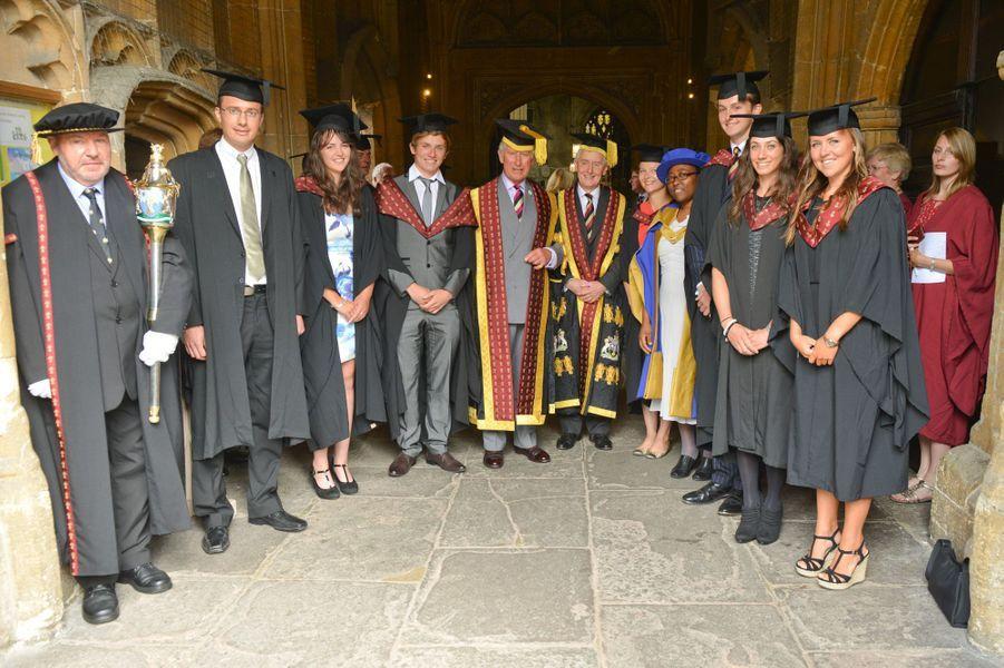 Le prince Charles préside la remise de diplômes de l'Université royale agricole, à l'Eglise St-John de Cirencester, le 23 juillet 2015