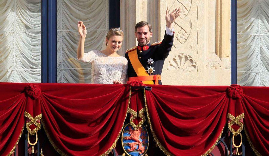 Le grand-duc héritier de Luxembourg, et Stéphanie, comtesse de Lannoy, se sont dit «oui» devant Dieu en la Cathédrale Notre-Dame de Luxembourg ce samedi, en présence d'invités de marque tels que le Prince Emanuele Filiberto de Savoie et son épouse, Clotilde Courau, Caroline de Monaco ou encore Letizia d'Espagne. Toutes les photos des heureux mariés.