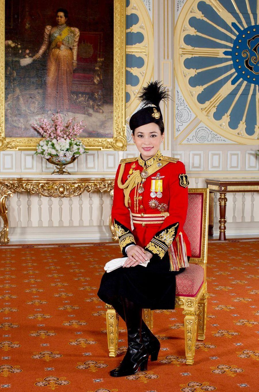 La reine consort Suthida de Thaïlande, épouse du roi Maha Vajiralongkorn (Rama X). Portrait diffusé le 17 mai 2019
