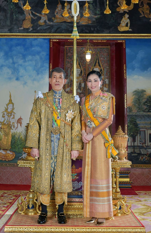 La reine Suthida et le roi Maha Vajiralongkorn (Rama X) de Thaïlande. Portrait diffusé le 19 mai 2019