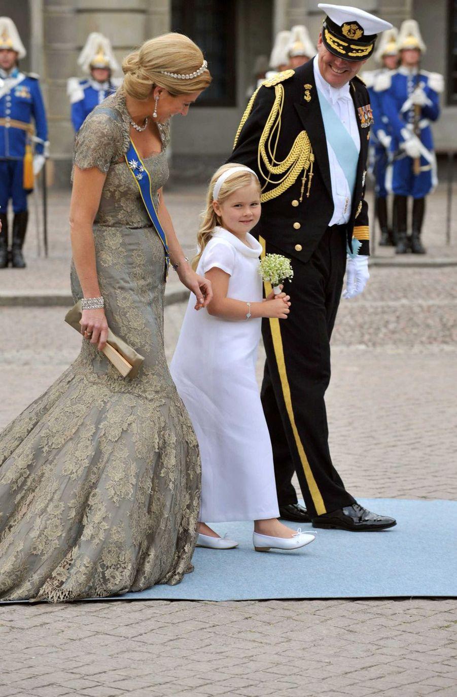 La princesse Catharina-Amalia des Pays-Bas avec la princesse Maxima et le prince héritier Willem-Alexander à Stockholm, le 19 juin 2010