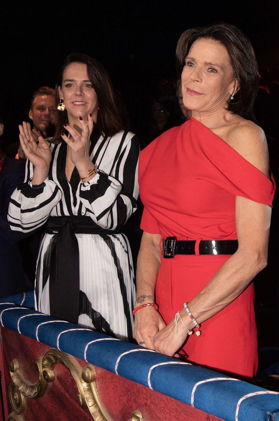 La princesse Stéphanie de Monaco (détail de son corsage), 16 janvier 2020