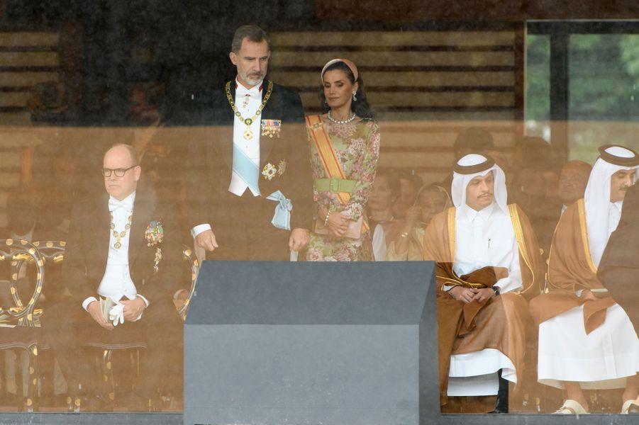Le prince Albert II de Monaco avec le roi Felipe VI et la reine Letizia d'Espagne à Tokyo, le 22 octobre 2019