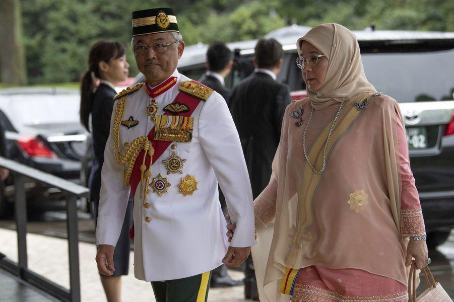 Le roi de Malaisie Abdullah Shah et sa femme la reine Tunku Azizah Aminah Maimunah à Tokyo, le 22 octobre 2019