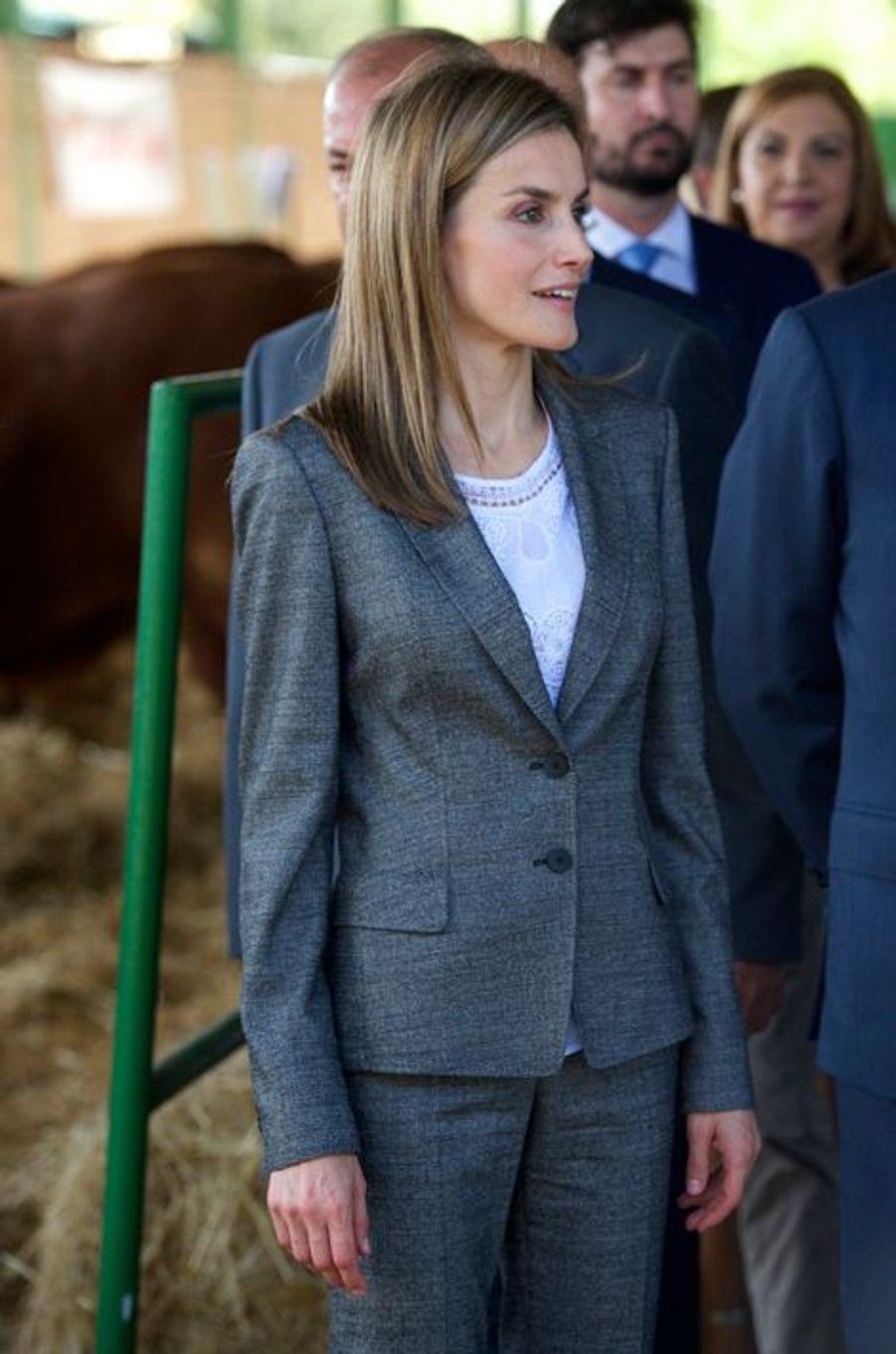 La reine Letizia et le roi Felipe VI d'Espagne inaugurent la Feria internacionale Ganadera à Zafra, le 2 octobre 2014