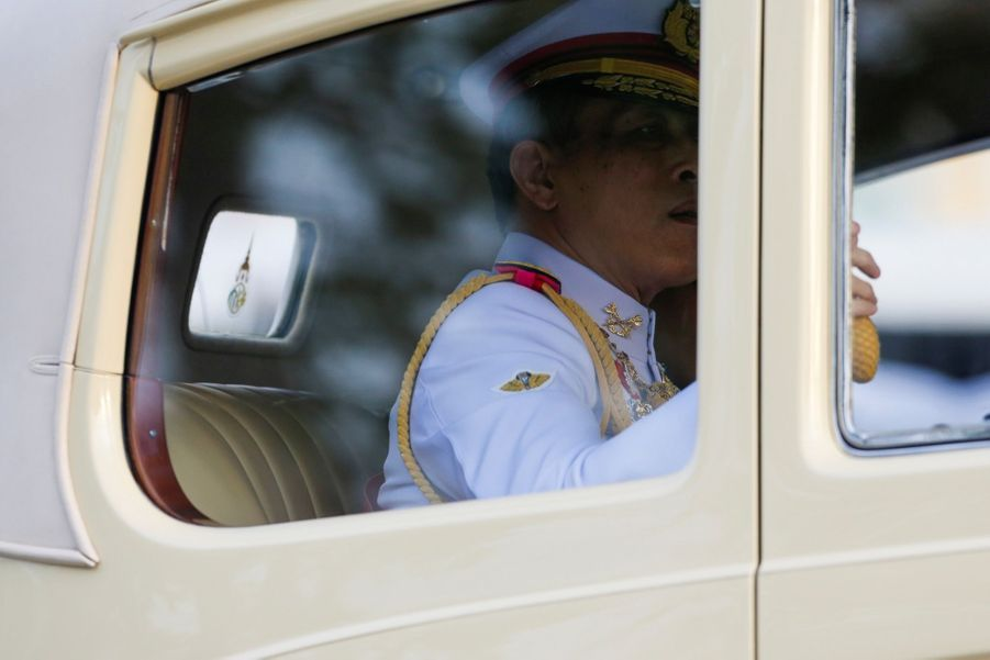 Maha Vajiralongkorn Officiellement Proclamé Roi De Thaïlande 3