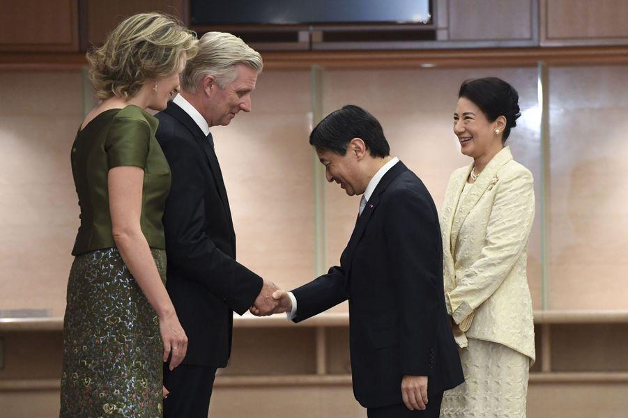 La princesse Masako et le prince Naruhito du Japon avec la reine Mathilde et le roi Philippe de Belgique à Tokyo, le 13 octobre 2016
