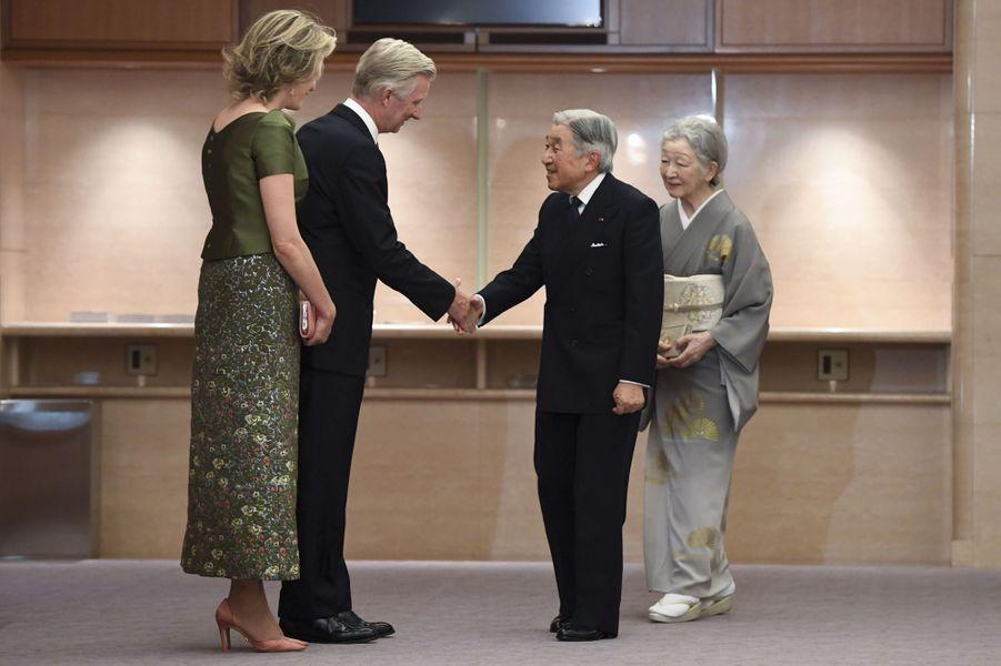 L'impératrice Michiko et l'empereur Akihito du Japon avec la reine Mathilde et le roi Philippe de Belgique à Tokyo, le 13 octobre 2016